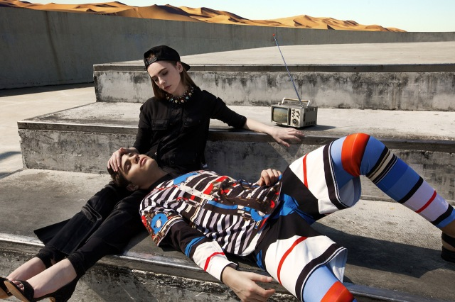 IAR_givenchy-2014-spring-summer-driving-the-dunes-of-erg-chebbi-editorial-5
